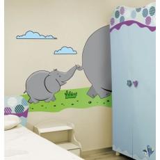 Elefantito con su mamá