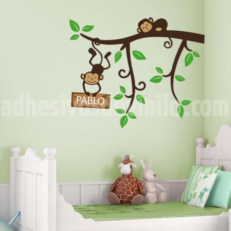 Vinilo infantil de una rama con unos graciosos monos for Pegatinas habitacion infantil